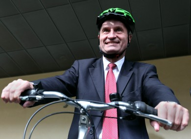 Gunther Oettinger: not a fan of the green jersey, apparently.