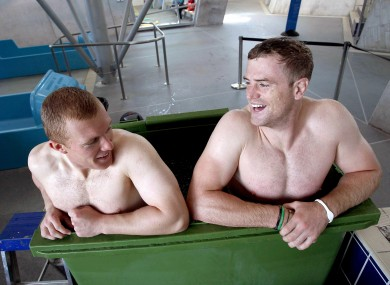 Keith Earls and Jamie Heaslip in an ice bath after training this week.