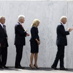 Former first lady Laura Bush, from left, former President George W. Bush, former President Bill Clinton, Dr. Jill Biden and Vice President Joe Biden view the Wall of Names. (AP Photo/Amy Sancetta)