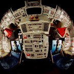 Flight deck on board Discovery in 1998. (Image: NASA)