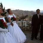 These twin brothers Jose and Hugo Choque married twin sisters Claudia and Patricia Mendoza in Bolivia in 2006. (Pic: AP Photo/Dado Galdieri)