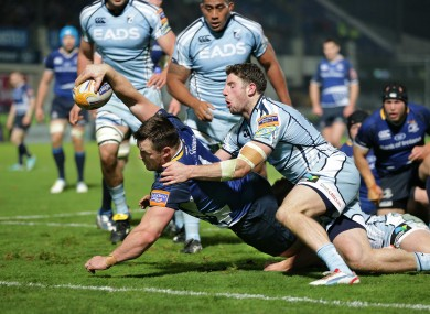 Cian Healy dives over to score a Leinster try.