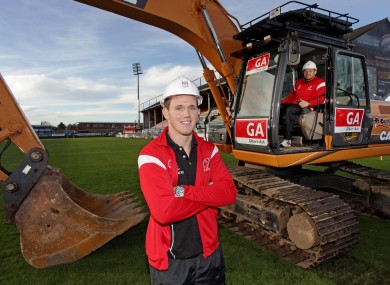 Craig Gilroy and Rory Best mark the start of Ravenjill's €14m redevelopment.