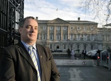 Aengus Ó Snodaigh has tabled legislation allowing a 'social welfare amnesty' where people can admit an overpayment without penalty.