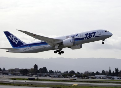 An All Nippon Airways' Boeing 787 Dreamliner takes off for the company's first non-stop flight from San Jose to Tokyo at the San Jose International Airport in San Jose, California, yesterday.