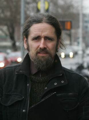 Luke 'Ming' Flanagan will seek Dáil time to explain the removal of penalty points from his driving licence.