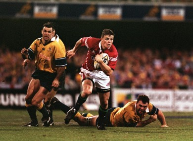 Brian O'Driscoll streaks clear of the Wallaby defence.