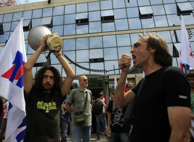 Workers protest outside ERT 3 in Thessaloniki
