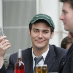 A Lehman Brothers employee drowns his sorrows outside the premises in the city of London<span class=
