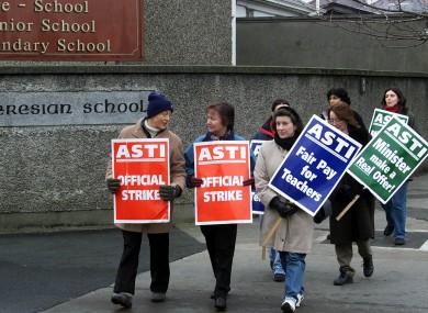 Members of the ASTI in a 2001 strike.