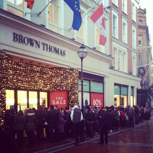 Pics Queues For Brown Thomas Go All The Way Around The