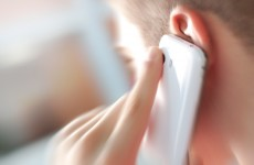 'Little evidence' that moderate mobile phone use is associated with cancer