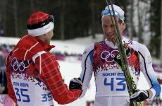Gold Medallist waits 28 minutes to cheer on last placed cross-country skiier