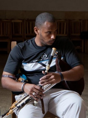 Alexander Suarez Mendez  sc 1 st  TheJournal.ie & Did you know the uilleann pipes were big in Cuba? · TheJournal.ie