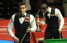 Mark Selby leads Ronnie O'Sullivan ahead of World Snooker Championship final session