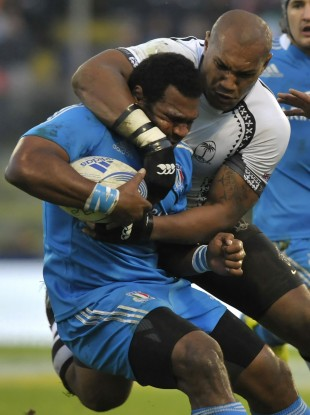 Nadolo wraps up an Italian player [file photo].