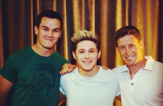Niall Horan has been in Paris practicing his kicking with ROG and Jonny