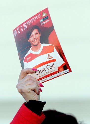 Soccer - Louis Tomlinson's Doncaster Rovers Debut