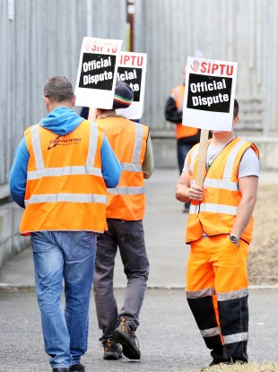 SIPTU protestors outside Greyhound's headquarters