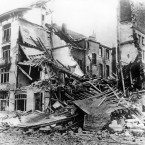 A destroyed house in Westende, Belgium, after shelling from the British during the First World War.<span class=