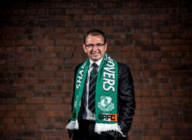 Pat Fenlon has signed a three and a half year deal with his new club.