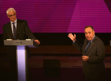 Scottish First Minister Alex Salmond (R), makes a point at the expense of No Campaign leader Alistair Darling.