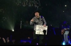 Garth Brooks' wonderful gesture to a fan with cancer is guaranteed to make you forgive and forget
