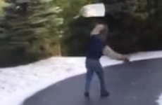 This man slipping on ice puts the RTÉ News guy to shame