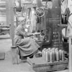 Kathleen Nolan presses a driving band onto a shell in the National Shell Factory at Parkgate Street, Dublin, during the First World War.