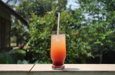 10 ridiculously simple cocktails you can make at home
