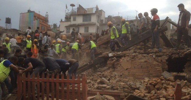 Death toll passes 1,000 after massive earthquake in Nepal