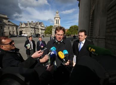 Jim O'Callaghan (centre)