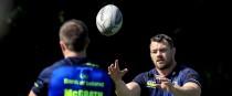 Leinster prop Cian Healy receives a pass from Luke McGrath.