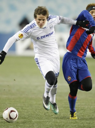 Rodrigo Tosi in possession for Lausanne during a Europa League game against CSKA Moscow.