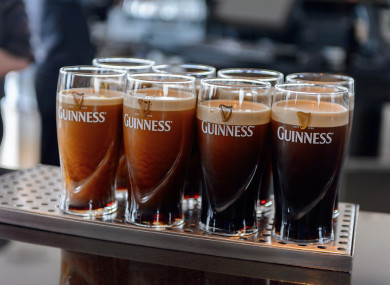Unpaid bills at the Dáil bar and restaurant worth almost €5,000 are being written off.
