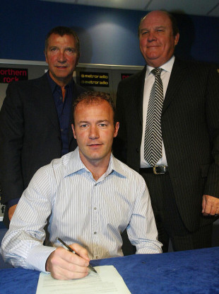 Shepherd with Alan Shearer and Graeme Souness in 2005.