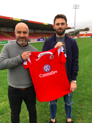Sligo manager Gerard Lyttle pictured with Kyle Callan-McFadden.