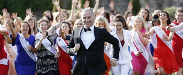 Daithi O Se introduces the hopeful Roses as the countdown to the 2018 Rose of Tralee International Festival begins.
