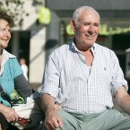 Nora Barry and James Camble from Co Cork enjoying the autumn sunshine in Dublin city centre (Sam Boal/ Photocall Ireland)