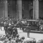 At 1.25pm, President Hyde and cavalcade pause for two minutes outside the GPO on O'Connell Street.