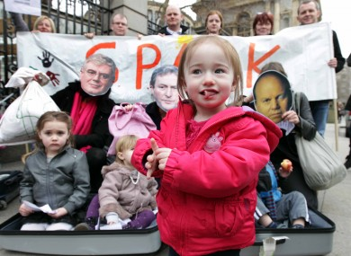 Single Parents Acting for the Rights of our Kids protest outsie the Dáil last month.