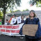 Jodi Burke (16) from Tallaght calling for Manning's release. Sam Boal/Photocall Ireland<span class=
