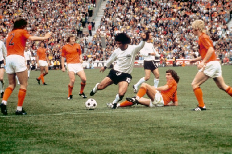 The Dutch team of 1974 is often compared to The Beatles with Johan Cruyff  as John Lennon  ed0b3d8f4