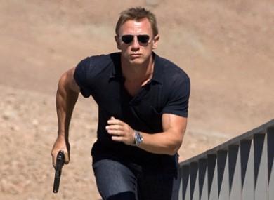 Daniel Craig hunting hackers.