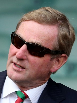 Enda Kenny keeping it cool as Fine Gael gears up for the general election