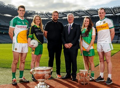 Lowry with GAA President Aogán Ó Fearghail, and Offaly players, at Thursday's launch.