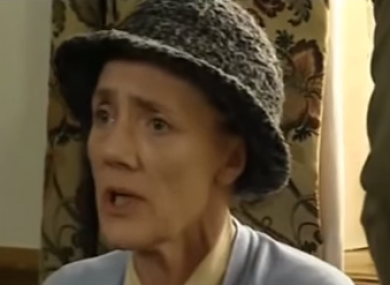 Emmerdale actor Shirley Stelfox dies after cancer battle