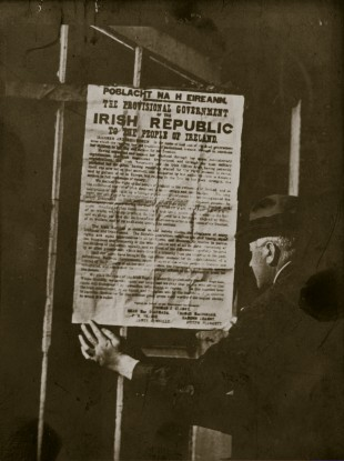 Reading a first edition print of the Proclamation in the immediate aftermath of the Rising.