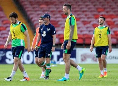 Ireland assistant Roy Keane withHarry Arter, Aiden McGeady, Shane Duffy and Shane Long today.