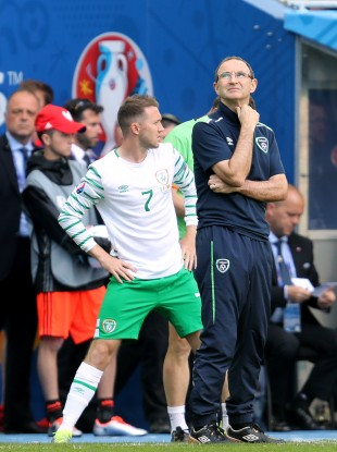 Republic of Ireland's Aiden McGeady waits to come on as a substitute as Republic of Ireland manager Martin O'Neill (right) looks on during the Belgium game.